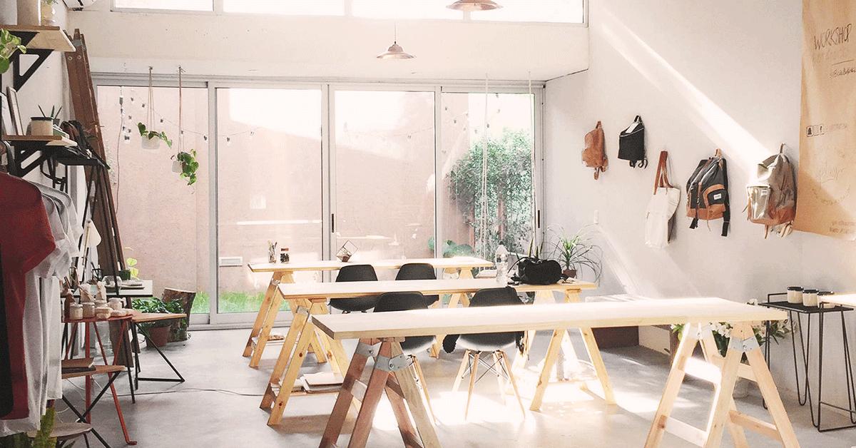 Versátil y minimalista espacio palermitano